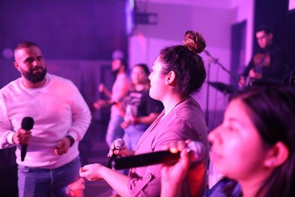 Jovenes - Iglesia El Redentor