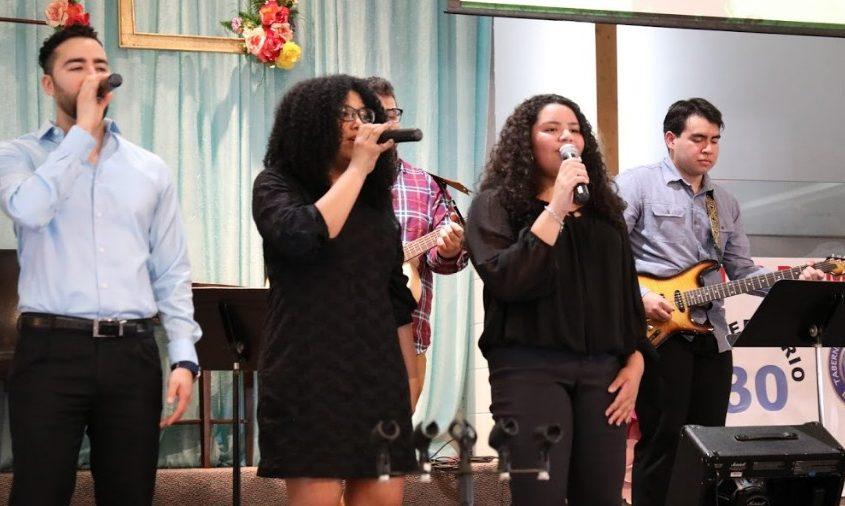 Ministerio de Alabanza - Iglesia El Redentor
