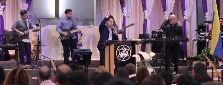 Esquina del Movimiento - Iglesia El Redentor